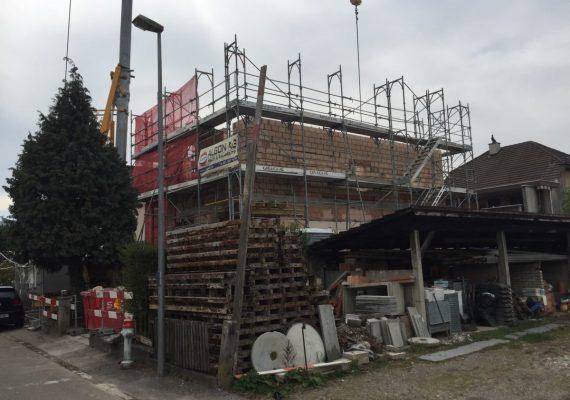 Der Aufbau des Hauses von hinten betrachtet